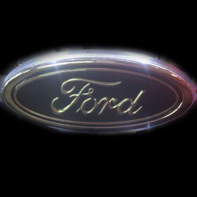Ford Белый